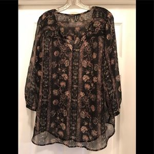 Maurice's Woman's Sheer Top Size 1X